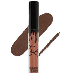 Kylie Liquid Lipstick and lip liner in true brown.